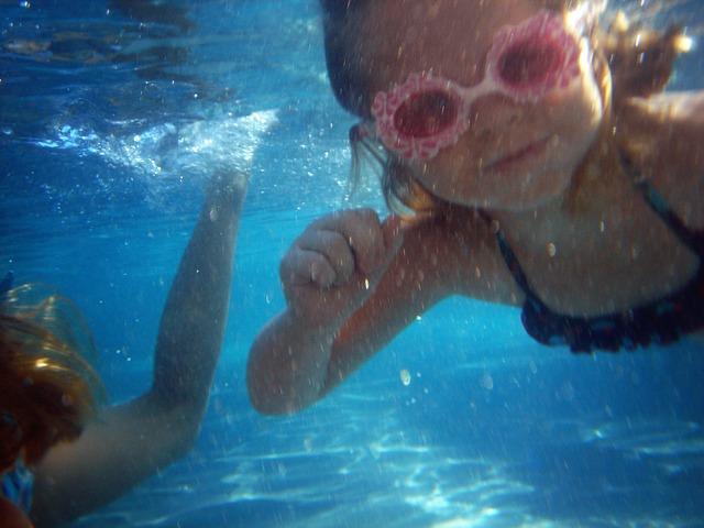 potápění holčičky