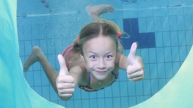 holka pod vodou